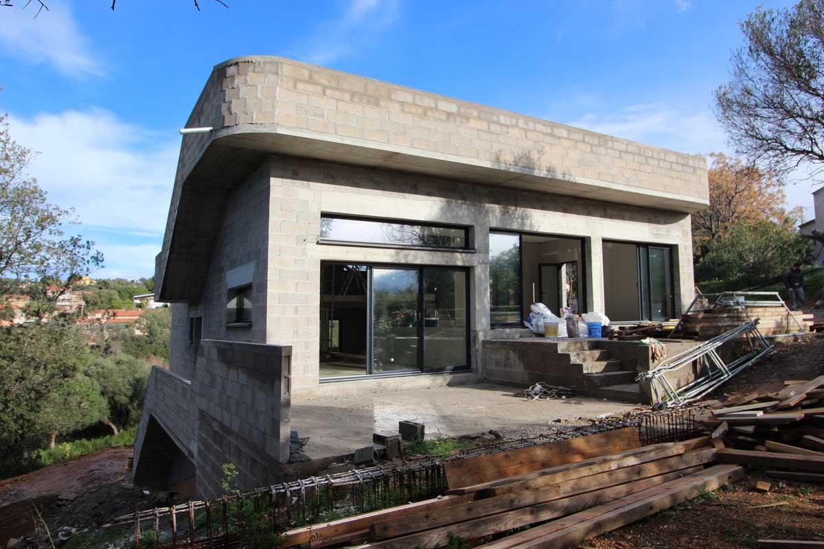 Constructeur Corse Du Sud construction d'une maison dans la pente - atelier rnb
