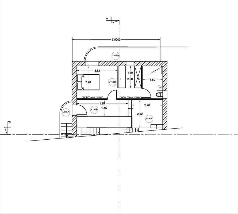 Maison en pente avons galement mis en place le bardage for Plan de maison sur terrain de 400m2