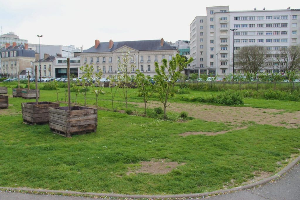 La vie en vert nantes et ses jardins atelier rnb for Swing jardin nantes 2015